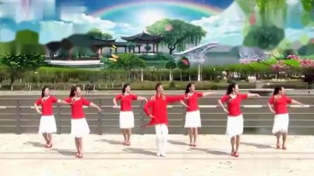 红豆广场舞精选《花开等你来》领舞的大叔跳的真美!