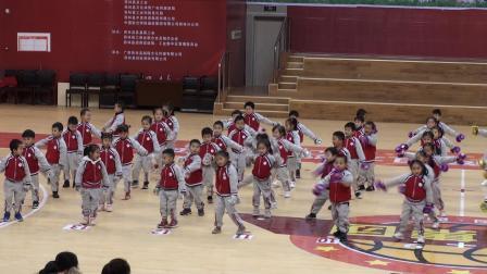 西林县苗苗幼儿园庆2020年元旦《美得冒泡》