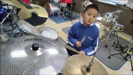 蓬莱架子鼓  《吸 引》 刘弋平  于老师权威架子鼓教学  课堂激情演奏!