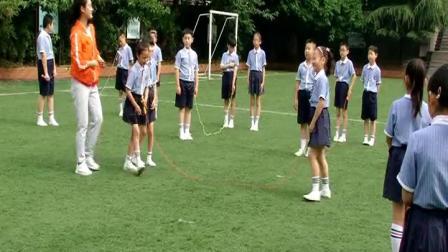 配课件教案 1.一二年级体育《3.原地并脚跳长绳》全国一等奖