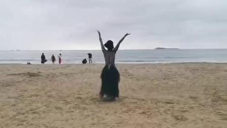 三亚湾卢叶倾情新疆舞