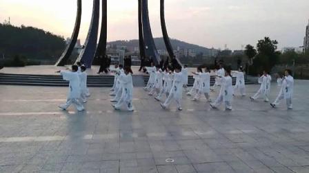 央视十台《中国影像方志》摄制组来到晨练场