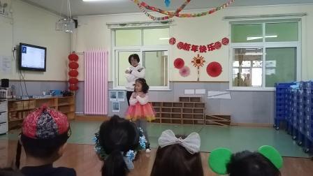 裕龙幼儿园中1班元旦 亲子表演1