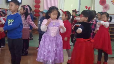裕龙幼儿园中1班元旦 全体表演