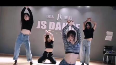玉林南城百货附近哪里的舞蹈室比较好?