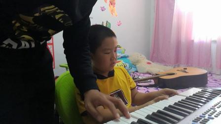 张函睿和爸爸电子琴合作20180924