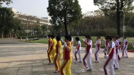 2020.01.04深圳光明区光明社区和润小区健身队广场舞2