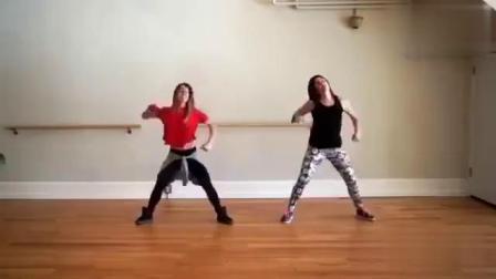 最近网上一个很火的Zumba(尊巴)舞教学完整版,超减脂耗体力,跳4分钟等于运动1小时,马走跳起来![耶]