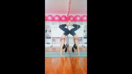 常州市瑜悦瑜伽培训学校 倒立练习随拍