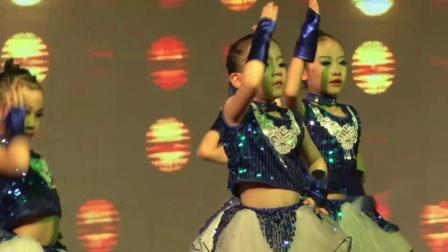 23舞蹈《炫迈Baby》指导老师:余老师表演者:五级A班-2019年舞音琴行艺术教育第八届春晚汇报演出