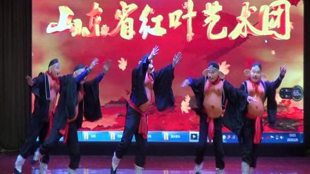 玉海摄:舞蹈《五只天鹅舞》表演:合唱队崔凯等.山东省红叶艺术团新春联欢会