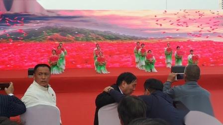 东望集团中原区人民艺术团--在哪桃花盛开的地方