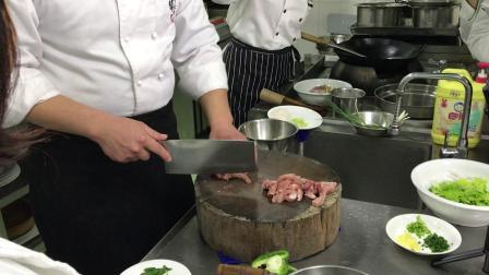 中烹初级 - 配菜 (青椒肉丝, 肉圆粉丝汤, 椒盐排条)