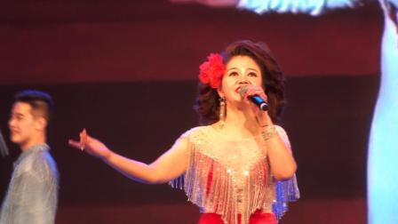 玉海摄《谢谢你常记的我》主唱:吕雅芬.邓丽君经典金曲演唱会