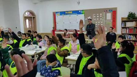 孩子们都挺积极,Tony老师氛围蛮好的,年纪小的小朋友们也很认真哟