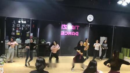 天资舞蹈 专注成人舞蹈培训 输出师资,就业扶持 免费加盟,一站式服务