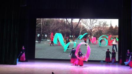 《祖国三杯酒》紫玉彩绸艺术团表演
