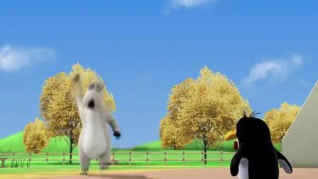 贝肯熊:倒霉熊玩回力球,笨手笨脚的!铁憨憨一个