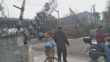 DF7G0040杨浦站调车
