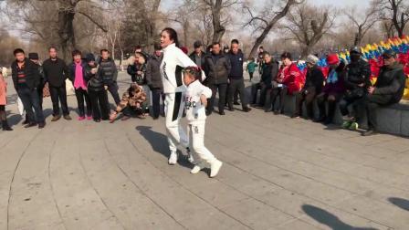 广场舞鬼步舞教学《春暖花开》32步入门步子舞教学