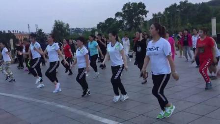 广场舞鬼步舞基础教学《老婆最大》经典健身操 老年人怎样学鬼步舞学得快 教曳步舞
