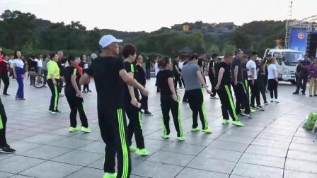 儿童歌曲《读书郎》鬼步舞52步教学 鬼步舞有哪些基础步 初步鬼步舞怎么学