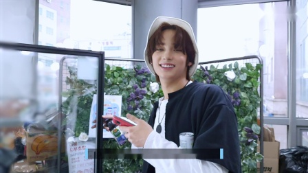 [T:TIME] HUENINGKAI's snack shopping mission! - TXT