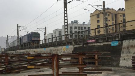 武局南段HXD3C牵引客车K530次襄阳站开出去汉丹上行襄州站方向