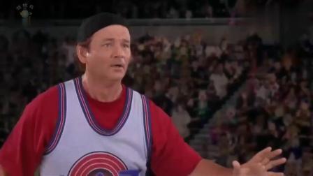 乔丹从中场起跳灌篮,居然进了