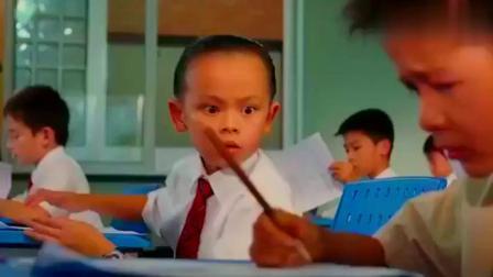 长江七号:小杰要考试了,让七仔给他厉害的道具,七仔却给了这个