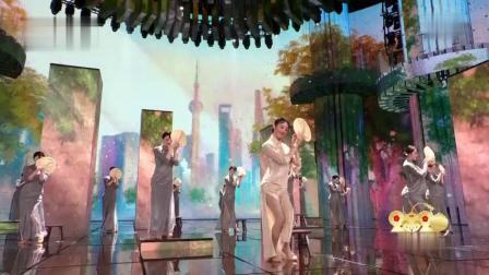 春晚舞蹈《晨光曲》迷倒观众 演员穿旗袍尽显婀娜身姿