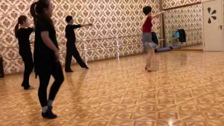 茂业百货校区成人拉丁舞课堂练习伦巴 沈阳舞蹈培训学校拉丁舞民族舞芭蕾舞古典舞爵士舞街舞摩登舞