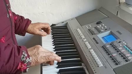 【少年壮志不言愁】电子琴演奏经典歌曲。