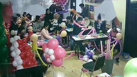 气球造型去哪里学怎样用气球做造型,哪里有学编气球的学校