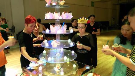 麦老师生日,恰巧真的蛋糕店师妹也在这一天,双喜临门