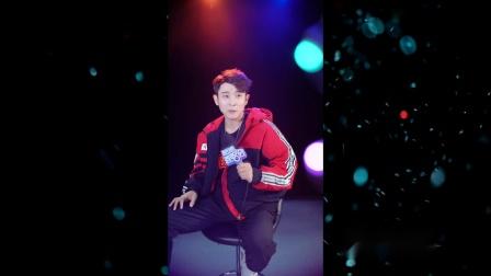 马佳--白马篇--男歌手--国语--LIVE--大陆--原版伴奏--高清--1--2