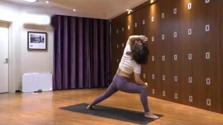 琳琳瑜伽01-中-核心强化-学会许晴趴-挑战一字马-平衡提升-专注力培养