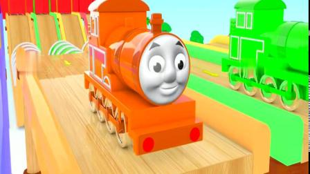 小火车开下滑道通过山洞变色彩