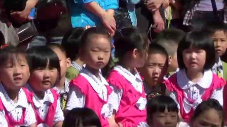《绮绮铁路幼儿园庆六一》