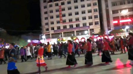 永善工农广场民族舞《摆手》