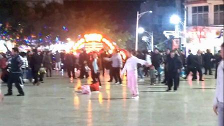 永善工农广场舞——有一种爱叫犯贱