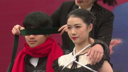 福建女魔术师的表演 11