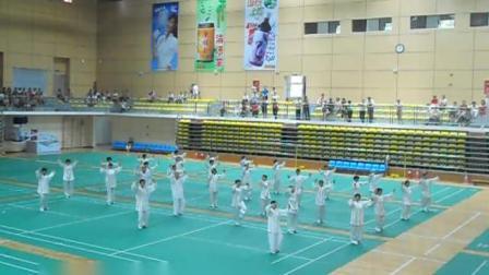 2012年广州与珠海交流中华站集体表演心意六合八法