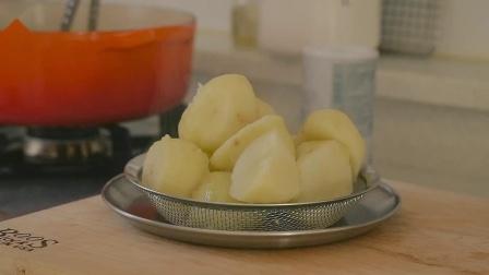 荤素搭配,营养健康!和牛排一起吃非常合适的菠菜奶油土豆泥!