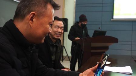 情连陕鄂,西安外事学院校友会会长董宇龙视频慰问赴武汉支援一线的医务校友范龙