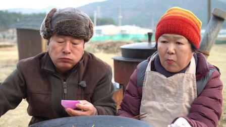韩国乡下人吃饭一顿几乎吃了相当于一个月的猪肉,这也太能吃了