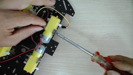 1、树莓派智能小车视频教程 树莓派小车底盘安装