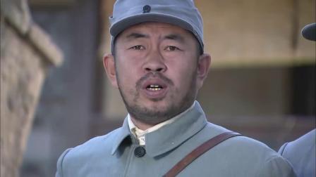 影视剧士兵不开枪,队长以为他枪法差,谁料出手直接干掉狙击手