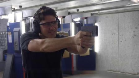 最隐蔽的自卫手枪高度伪装酷似手机折叠一下秒变双管手机枪