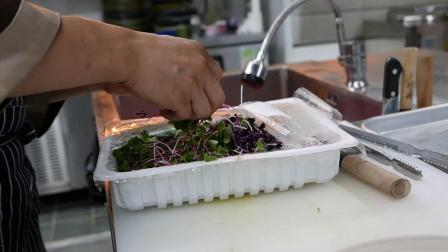 47. 韩国路边小吃 - 海肠生鱼片首尔海鲜